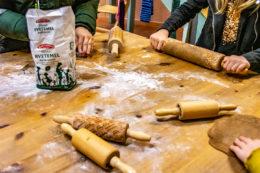 Pepperkakebaking juleverksted Steinerskolen i Indre Østfold