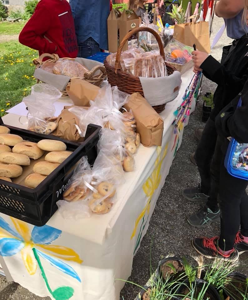 Bakevarer på vårmarkedet til Steinerskolen i Askim 2019
