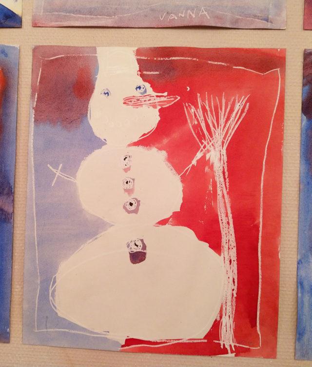 Snømann laget av 2.klasse Steinerskolen i Askim